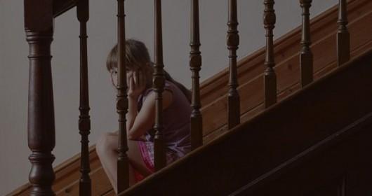 Yalnızca Anne Sevgisi Görmeden Büyüyen Kız Çocuklarının Anlayabileceği 10 Şey